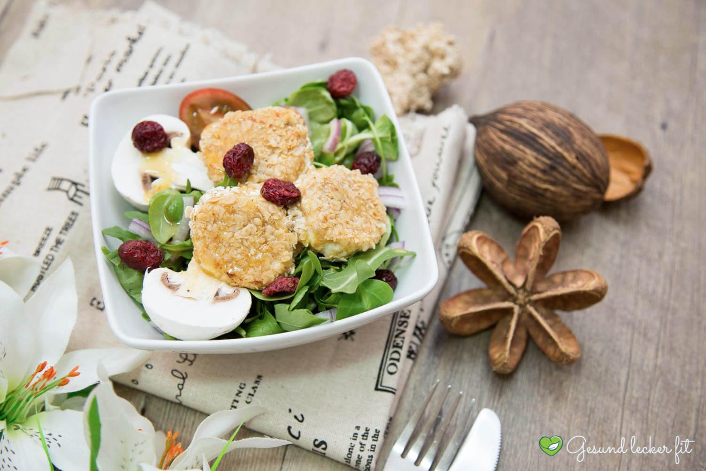 Salat mit Ziegenkäse und Haferflocken -
